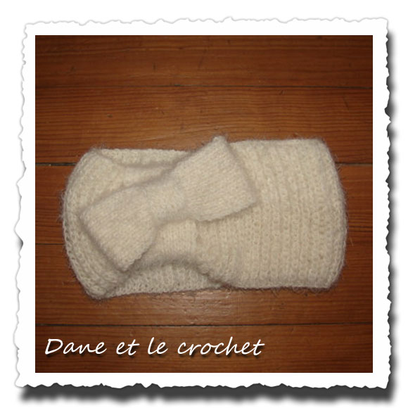 Dane-et-le-crochet-snood-noeud.jpg