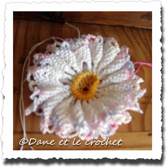 Dane-et-le-Crochet-photo-envers--fleur-.jpg