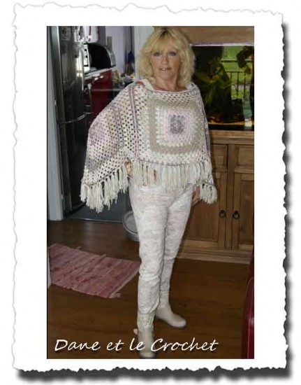 Dane-et-le-crochet-poncho-porte-devjpg.jpg