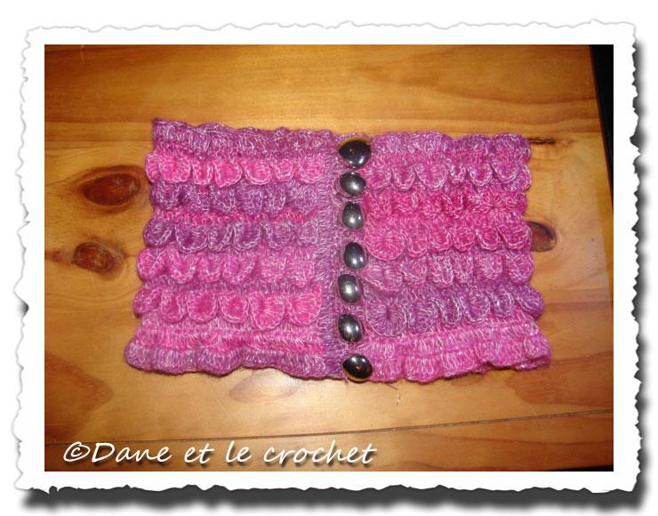 Dane-et-le-Crochet--tour-de-cou-.jpg